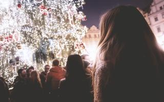 How Do I Reach Consumers Using Social Media During The Holidays?